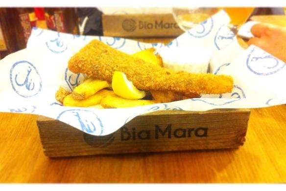 moijaifaim-biamara-restaurant-fish&ships